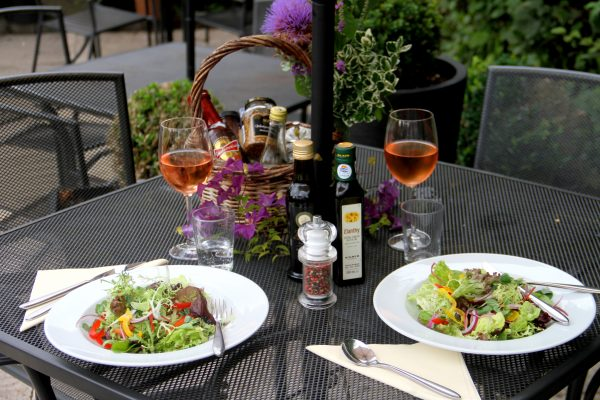 Al Fresco dining at The Golden Fleece Braughing by Sharon Struckman (16)